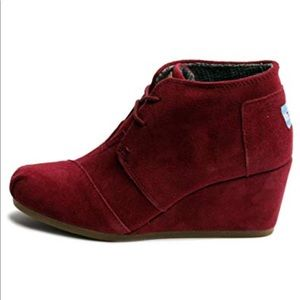 Toms Suede Burgundy Wedge Size 8.5